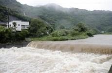 Nhật Bản duy trì cảnh báo lở đất do mưa bão tại miền Nam