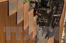 Chính quyền Mỹ tiếp tục vướng rào cản trong việc xây tường biên giới