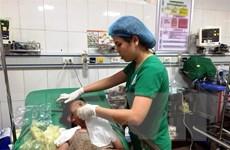Nghệ An: Châm lửa đốt can xăng, 5 người trong một gia đình cấp cứu