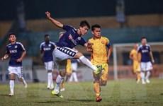 Thắng 5 sao trước Thanh Hóa, Hà Nội FC bỏ xa TP.HCM 5 điểm