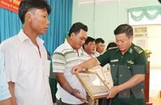 Khen thưởng các thuyền viên cứu 22 ngư dân Philippines bị nạn