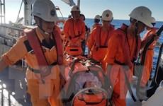 Kịp thời cứu nạn một ngư dân bị tai nạn, hôn mê trên biển
