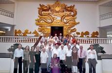 Thủ tướng Nguyễn Xuân Phúc gặp mặt các cán bộ từng phục vụ Bác Hồ