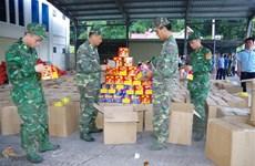 Phát hiện số lượng lớn pháo nổ giấu trong các thùng hàng nông sản