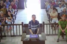 Tuyên phạt Trần Đình Sang 2 năm tù về tội chống người thi hành công vụ