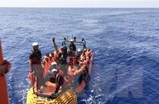 Giải cứu hàng chục người di cư bất hợp pháp ngoài khơi Libya