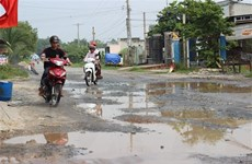 Tây Ninh: Người dân mòn mỏi chờ nâng cấp, sửa chữa đường liên huyện