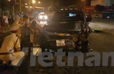 Tài xế say xỉn lái ôtô 'bay' giữa vòng xoay trung tâm Đồng Xoài