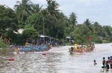 Đồng bào dân tộc Khmer phấn khởi đón lễ hội Oóc Om Bóc