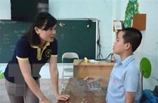 Cô giáo trẻ chắp cánh cho ước mơ của trẻ em khuyết tật