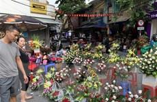 Đa dạng thị trường quà tặng ngày Nhà giáo Việt Nam