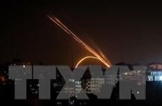 Israel không kích một nhà máy vũ khí do Hamas kiểm soát