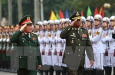 Đại tướng Ngô Xuân Lịch hội đàm với Bộ trưởng Bộ Quốc phòng Campuchia
