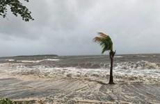 Bão Sarai áp sát quốc đảo Fiji, cảnh báo nguy cơ lũ quét