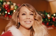 'All I Want For Christmas Is You' giúp Mariah Carey đi vào lịch sử