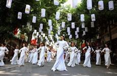Trang phục truyền thống đón Tết ở một số nước trên thế giới