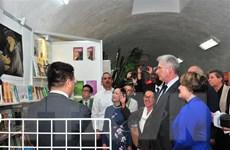 Chủ tịch Cuba khai trương gian triển lãm của Việt Nam tại Hội chợ Sách