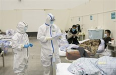 Trung Quốc: Một thai phụ nhiễm virus corona sinh con khỏe mạnh