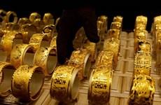 Giá vàng tăng gần 1% trong tuần qua do nhu cầu ''trú ẩn an toàn''