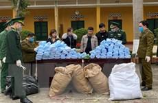 Vận chuyển hơn 27.000 khẩu trang y tế không có hóa đơn sang Trung Quốc