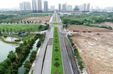 Hà Nội: Rào chắn đường Nguyễn Văn Huyên kéo dài xây cầu vượt