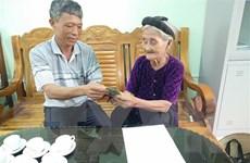 Cụ bà 83 tuổi xin thoát nghèo, ủng hộ 2 triệu đồng chống COVID-19