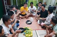 Quảng Bình: Xử phạt nhóm công dân tổ chức ăn nhậu tại khu cách ly