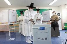 Cử tri Hàn Quốc đi bầu cử Quốc hội giữa lúc cả thế giới giãn cách