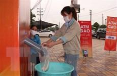 'ATM gạo' đến với những hoàn cảnh khó khăn tại Bắc Ninh và Đồng Tháp