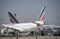 Pháp sẵn sàng với các gói vay ''lịch sử'' cho Air France và Renault