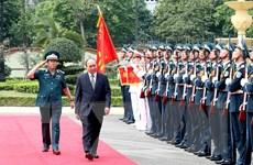 Thủ tướng thăm Bộ Tư lệnh Quân chủng Phòng không-Không quân