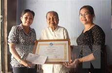 Bạc Liêu: Cụ bà 93 tuổi ủng hộ tiền tiết kiệm để phòng chống dịch