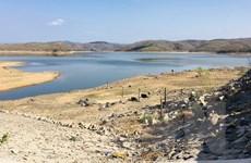 Các hồ chứa tại Bình Thuận trơ đáy sau nắng nóng kéo dài