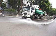 Hà Nội quyết định chi 114 tỷ đồng tưới nước rửa đường trở lại