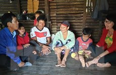 Thầy Chhỡi 35 năm ''cõng'' chữ về với học sinh vùng sâu