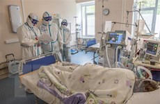 Nga chuẩn bị tung ra thị trường thuốc điều trị COVID-19 thể nhẹ