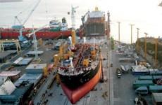 Lượng đơn hàng đóng tàu trên toàn cầu giảm xuống mức thấp kỷ lục