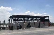 Thừa Thiên-Huế: Xe khách giường nằm cháy rụi trên đường tránh Huế