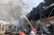 Vụ cháy ở Long Biên: Nhiều loại hóa chất độc hại có chỉ số vượt chuẩn
