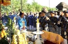 Dâng hương tri ân Chúa Nguyễn ''khai sinh'' chiếc áo dài
