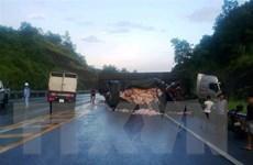 Tai nạn trên cao tốc Nội Bài-Lào Cai khiến hai người tử vong