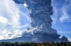 Indonesia: Núi lửa Sinabung phun trào khói bụi cao 5km