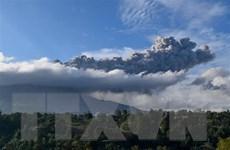 Indonesia: Núi lửa Sinabung phun trào trở lại sau một loạt tiếng nổ