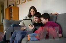 Học trực tuyến trong đại dịch COVID-19 tăng gánh nặng nợ nần tại Mỹ