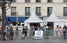 Thủ đô Paris của Pháp đặt trong tình trạng báo động tối đa