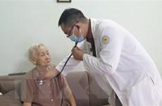 Quan tâm hơn nữa đến sức khỏe của người cao tuổi