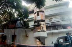 Thành phố Hồ Chí Minh: Giải cứu 6 người trong đám cháy lúc rạng sáng