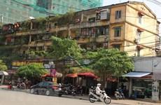 Hà Nội di dời các hộ dân ra khỏi các nhà chung cư cũ nguy hiểm