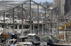 Liban bắt đầu dỡ bỏ các container hóa chất nguy hiểm tại cảng Beirut