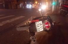 Tông vào đuôi xe tải đang dừng đèn đỏ, 2 người trên xe máy tử vong
